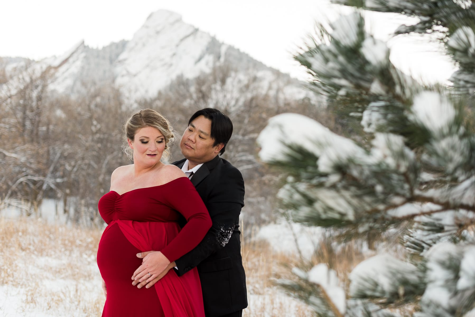 Winter Wonderland Maternity Shoot | Maternity Photography | Chautauqua Park | From The Hip Photo