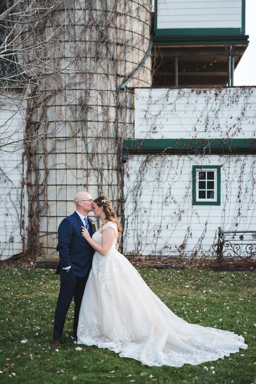 Nora & Dom | Wedding Photo | Lionsgate Event Center | From the Hip Photo