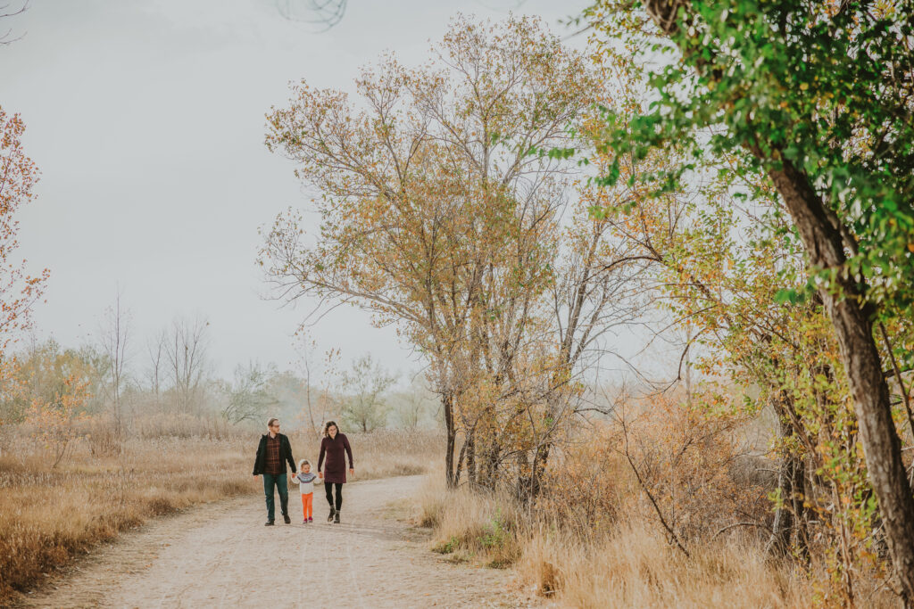 Boulder Sawhill Ponds outdoor nature trail park candid fun water family picture | From the Hip Photo Denver Colorado portrait photography
