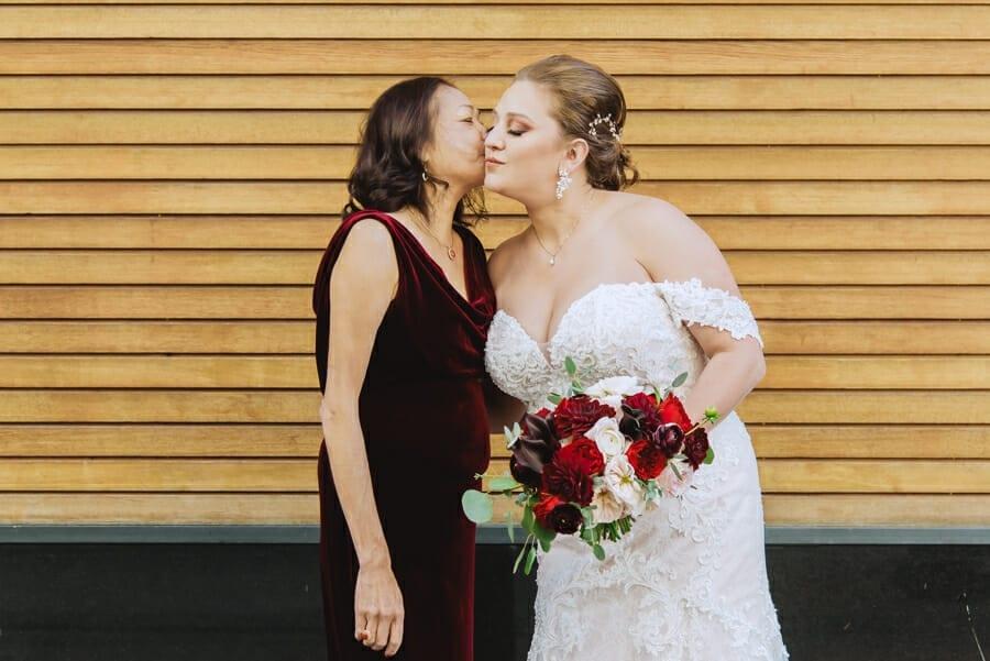 colorado wedding photos   from the hip photo