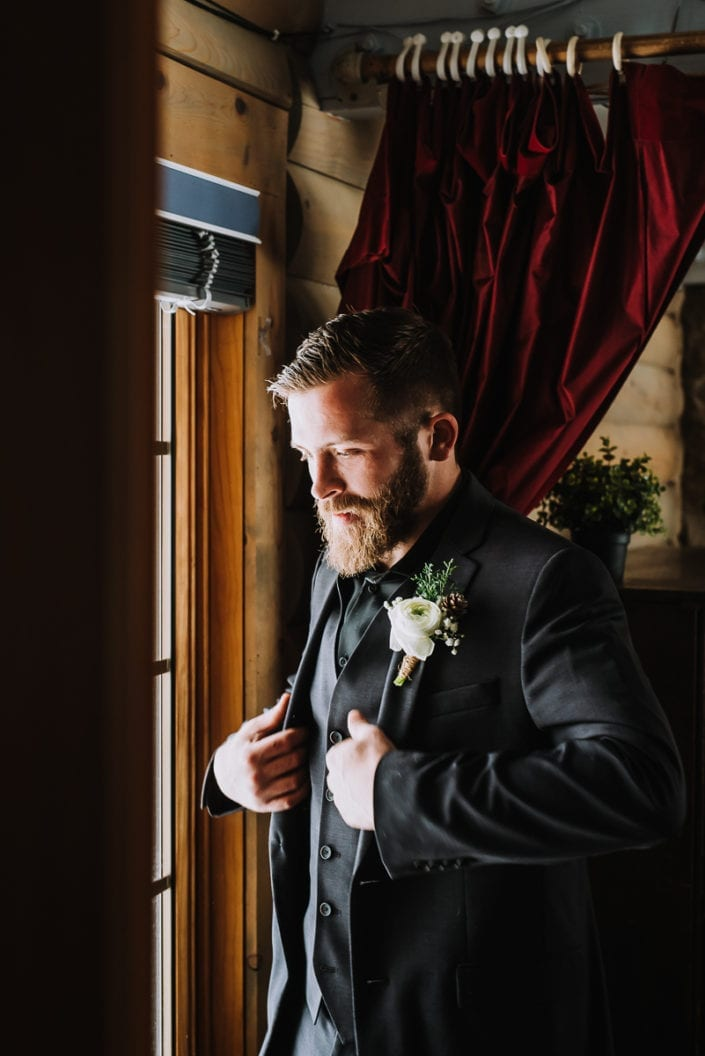 Mountain Winter Wedding Getting Ready Photo | Colorado Elopement Photographer