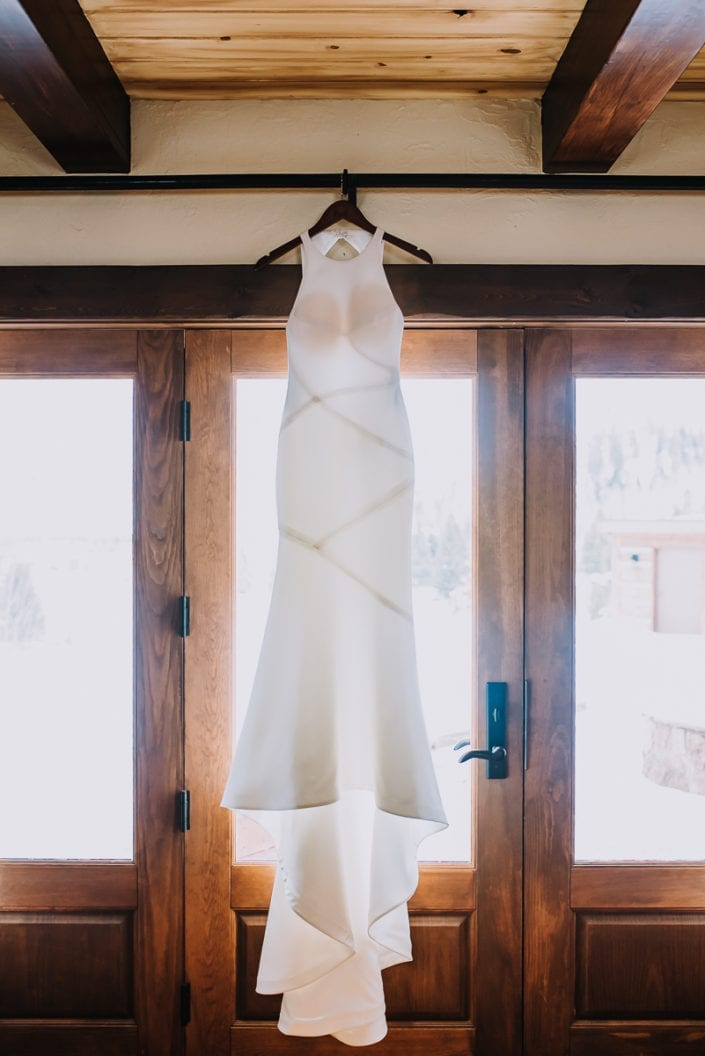 Mountain Winter Wedding Bride Getting Ready Portrait | Colorado Elopement Photographer