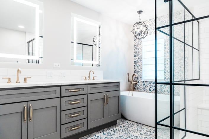 Modern White and Black Bathroom Photo | Colorado's Best Real Estate Photographers